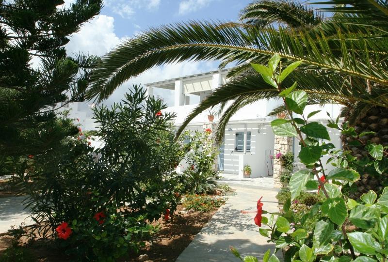 Family Holiday, Lush Garden, aluguéis de temporada em Naoussa