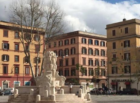 Die Piazza Testaccio wiederhergestellt