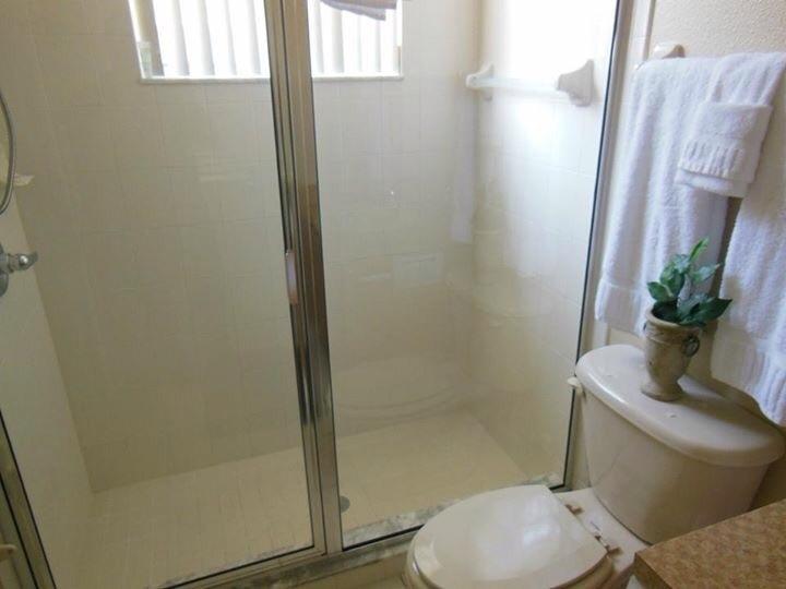 Master bedroom 2 shower