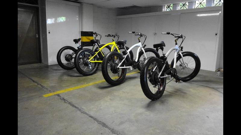 4 ELECTRIC BEACH CRUISERS FOR RENT $ 35 USD PER DAY PER BIKE ,CHICK MAGNETS , CRUISE IN STYLE ,GREAT