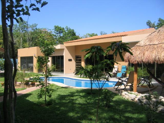 Myoli está situado en una finca de la selva en el corazón de la Riviera Maya