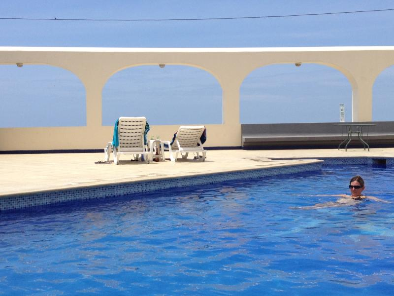 The very relaxing pool....even has an ocean view from this deck!!