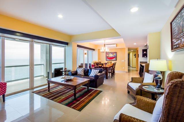 Casa Shirley (B14)—Large Condo, Heated Pool, Sauna, Massage Ro, vacation rental in Cozumel
