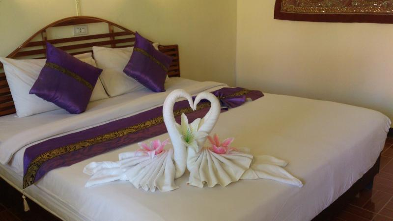 Air-Conditioning Room with One King Bed, Room Only, holiday rental in Railay Beach