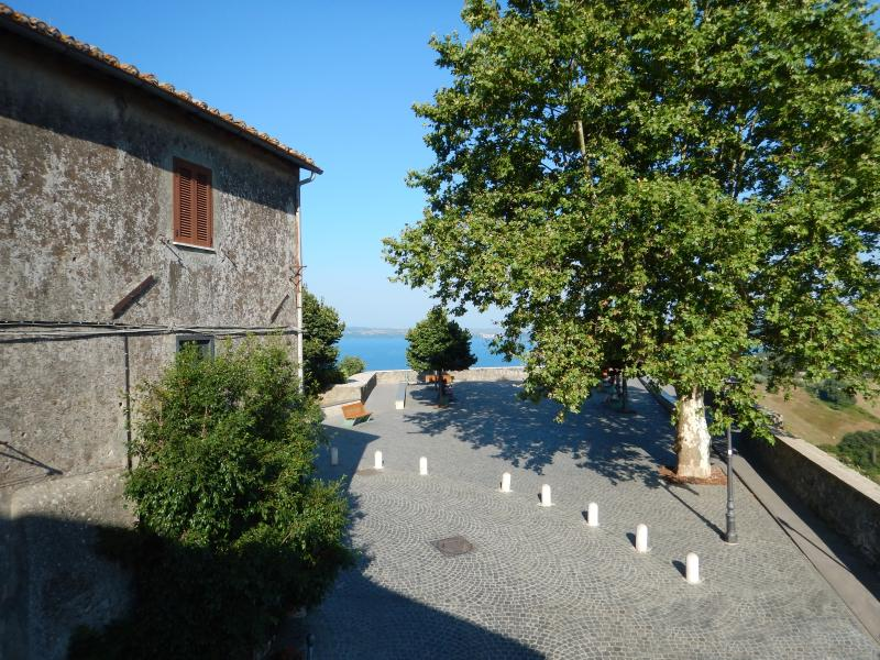 LaCasettaBelvedere_Cosy Medieval House/Lake view, holiday rental in Bracciano