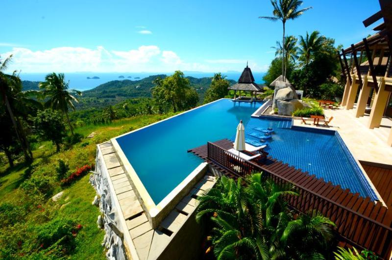 Samui Ridgeway huge pool with stunning sea views