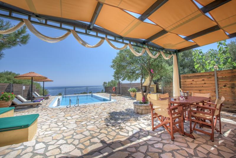 Emerald Classic Villa, holiday rental in Varvara