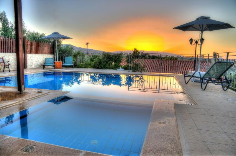 Villa Eros, Sunset swimming pool, short drive to the beach