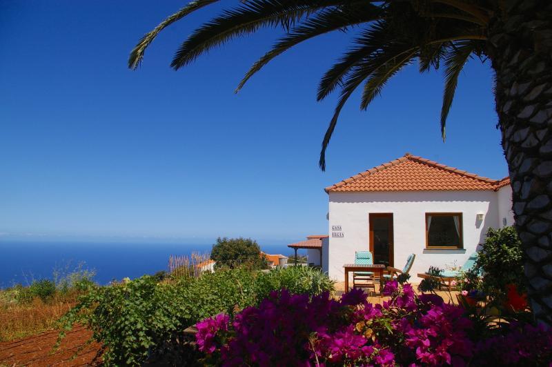 Casa Lucia, Stunning sea views, close to village, WiFi, alquiler vacacional en Puntagorda