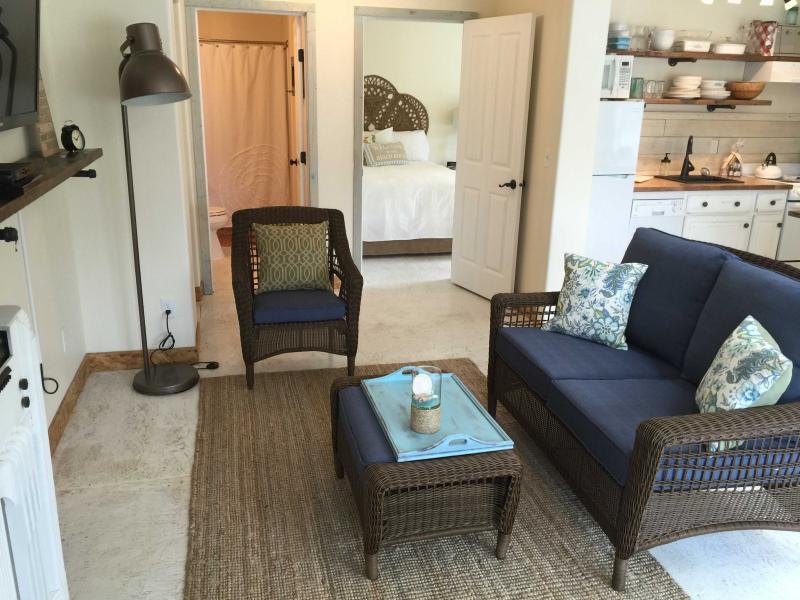 burlap and grain 1 bedroom coastal cottage has grill and parking rh tripadvisor com