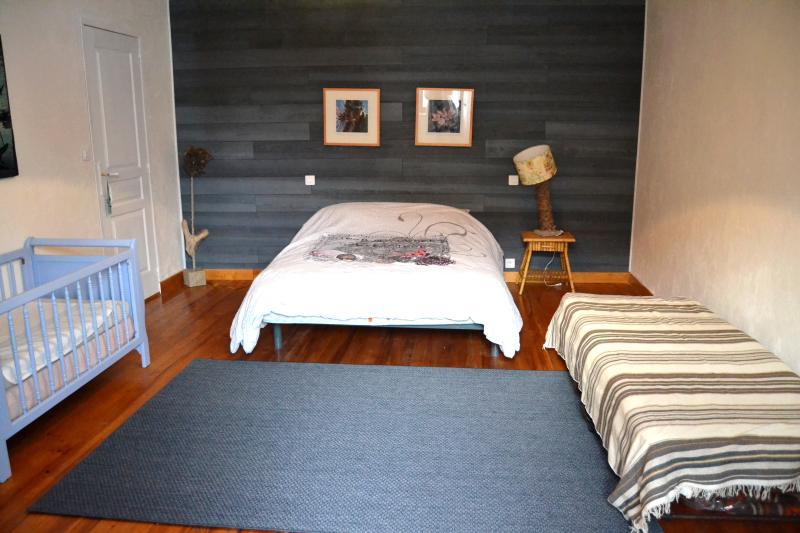 chambre lit 140 + dressing+2 lits 90+salle d'eau