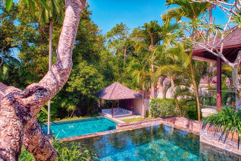 Villa Tukad Pangi Bali Canggu Riverside Modern 3Bd Fully Staffed, holiday rental in North Kuta