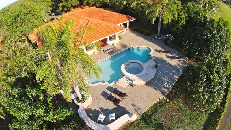 Air View Pool