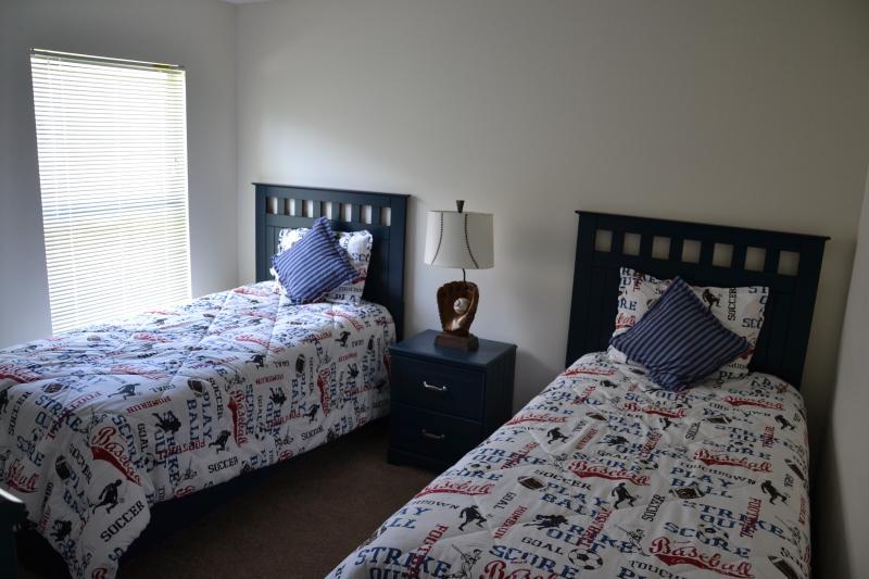 Twin bedroom Sports