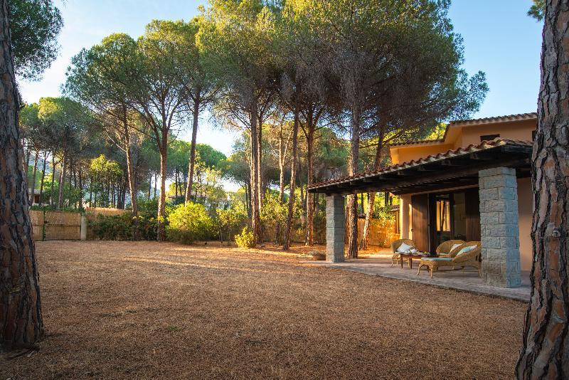 Villa I Pini - 150m dal mare - Villa di lusso, vakantiewoning in Pula