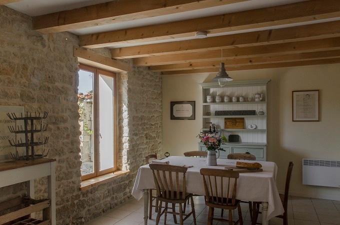 Le Cognassier kitchen/diner