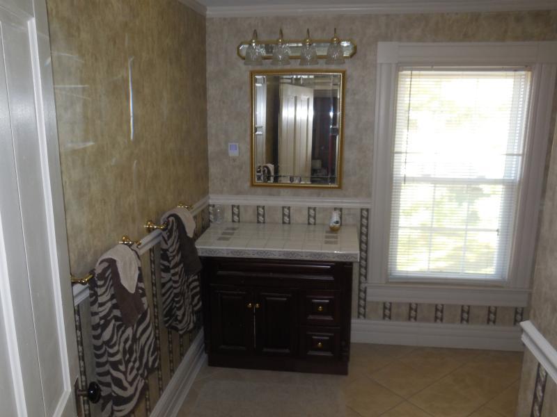 Banheiro de cima - área de make-up