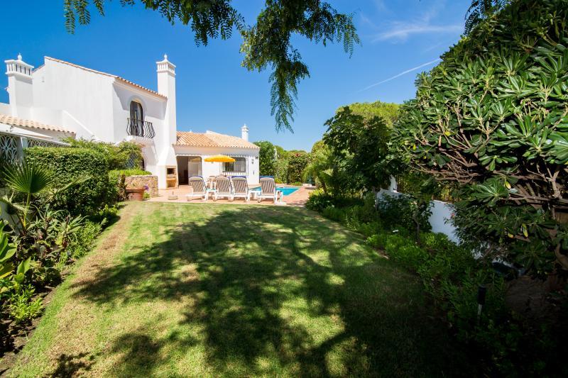 2 bedroom villa with good sized garden