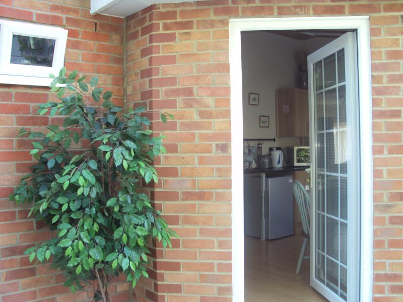 Sutton Courtenay Studio with Zip and link bed, 2 singles or 1 king size, holiday rental in Wallingford
