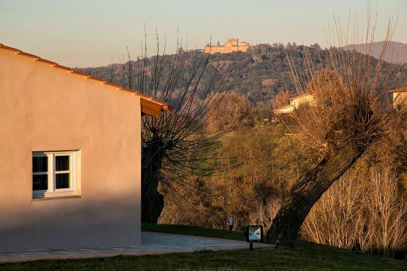 Il castello di Sammezzano visto dal giardino