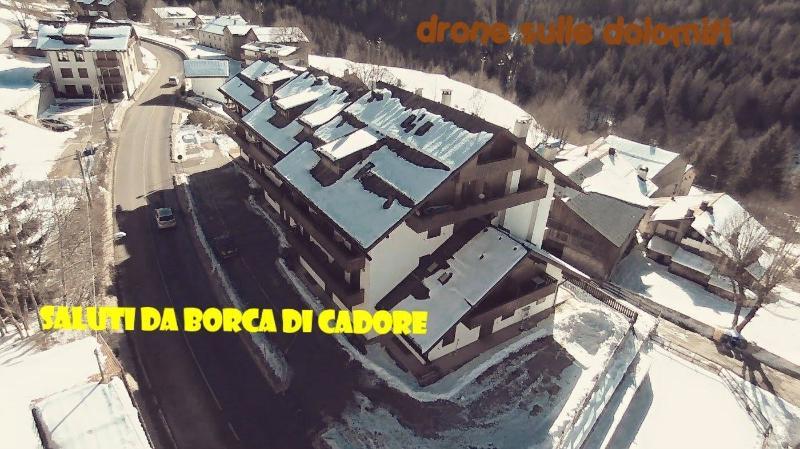 APPARTAMENTO BIVANI ARREDATO IN CADORE, alquiler vacacional en Borca di Cadore
