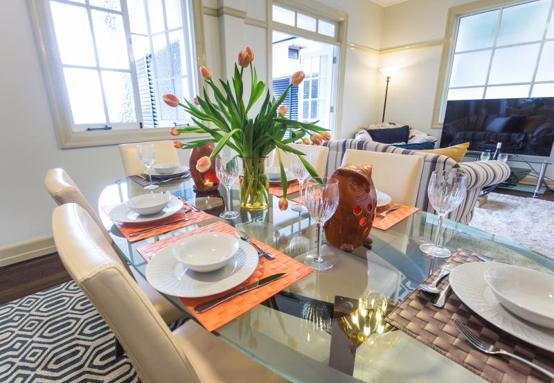 Level 1 Beige decor with navy, yellow and orange accents