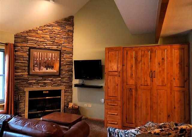 River Mountain Lodge W311 Condo: Ski-In To Downtown Breckenridge!, vacation rental in Breckenridge