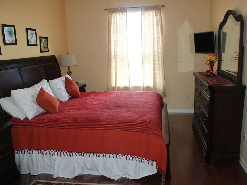 Windsor Hills 3 bed/2 bath condo with nightly view of the Disney Fireworks.