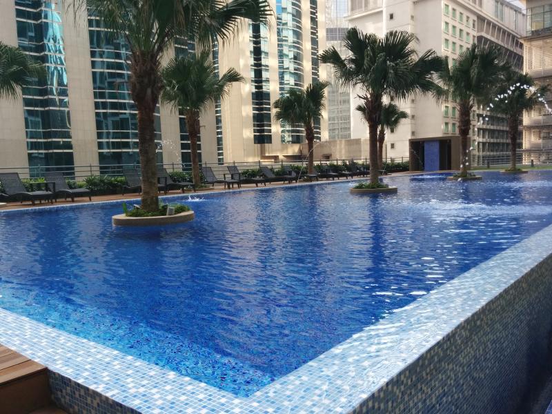 Accès à la piscine nécessite d'acheter un pass de commentaires à l'arrivée (non inclus dans ces frais de réservation)