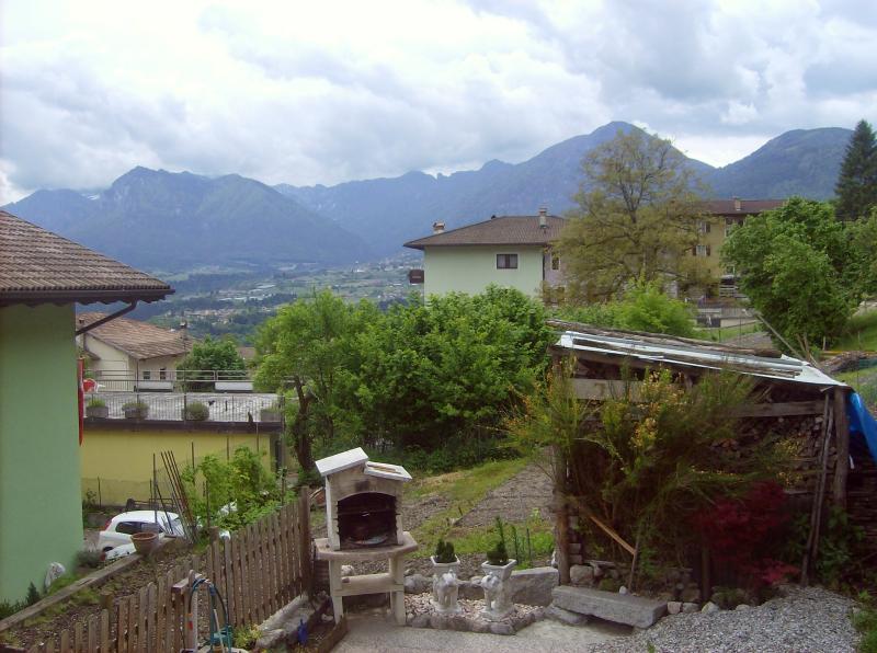 Casa indipendente di montagna, location de vacances à Lasino