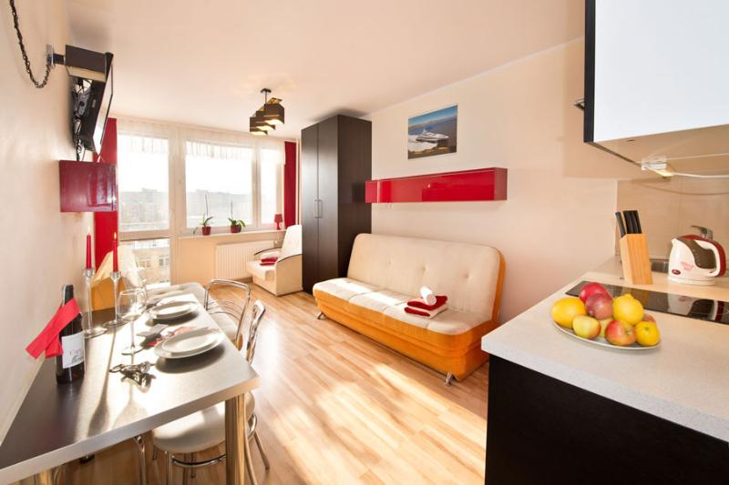 Apartment Sunny South - available all year round, alquiler vacacional en Gdansk