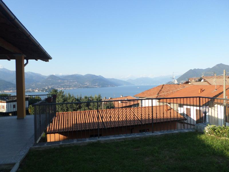 la vista lago che si gode dal terrazzo