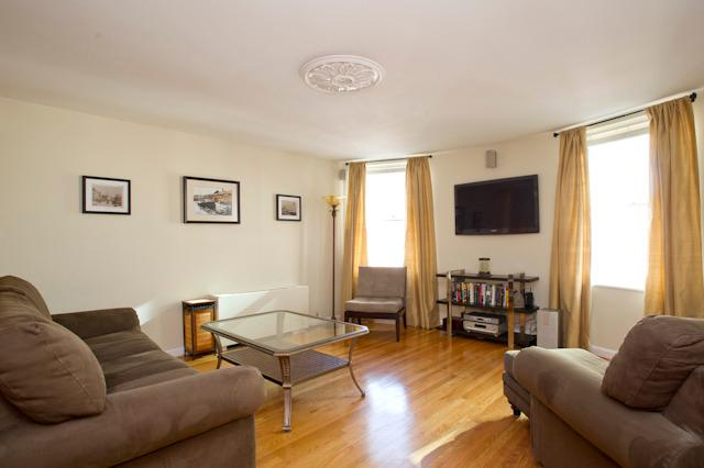 Soleado y amplio Living sala