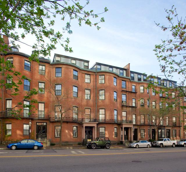 4to piso, frente, ascensor edificio histórico beacon hill con estacionamiento dedicado