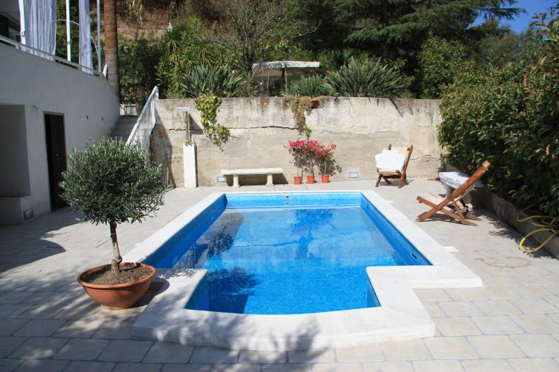 Villa con Piscina Sicily, holiday rental in Oliveri