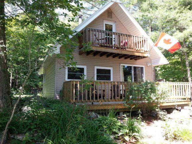 Three bedroom cottage, 45 min. north of Kingston, vacation rental in Seeley's Bay
