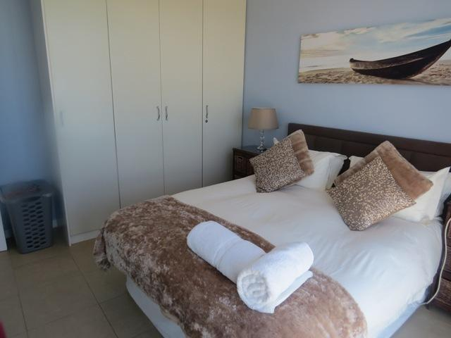 Bedroom with beautifull seaview, also with flatscreen tv and satelite tv