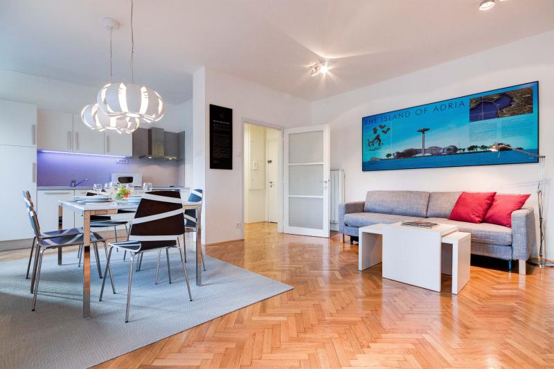This apartments has an inviting interior that is bright and spacious from every perspective