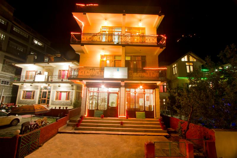 Cheap Hotel & Cottage Manali, holiday rental in Rangri