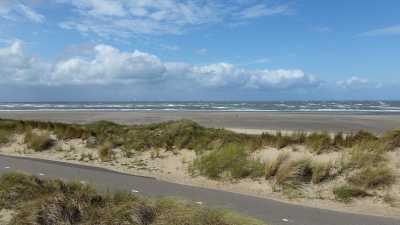 Strand Langedijk, 5 minutes by bicycle (2x available for free) - De Kastanje Ouddorp