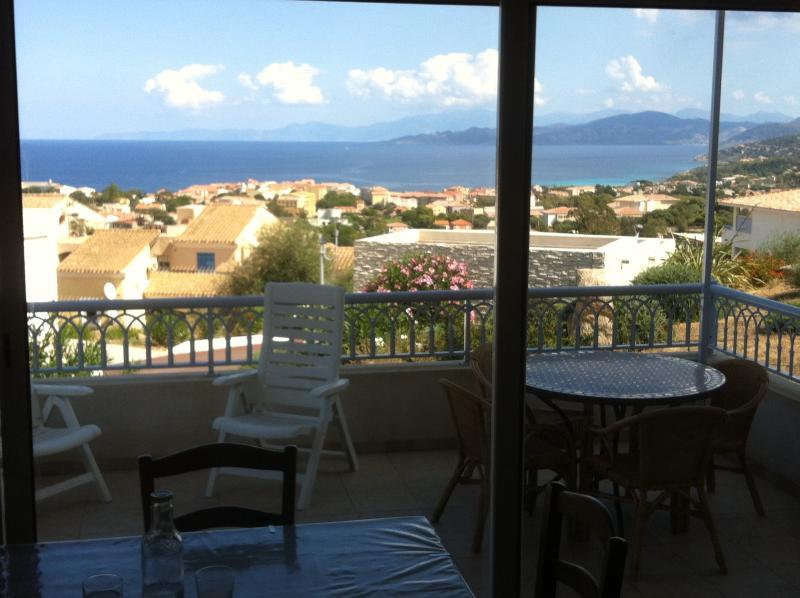 Terrasse et panorama vu du séjour
