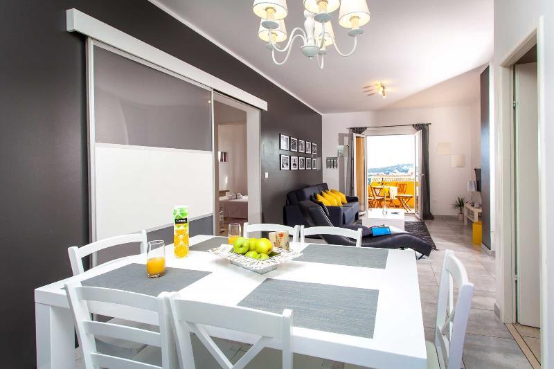 Brug appartement Dubrovnik - eetkamer