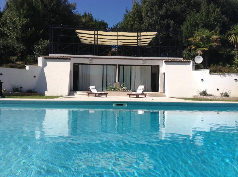 Camere da letto in piscina