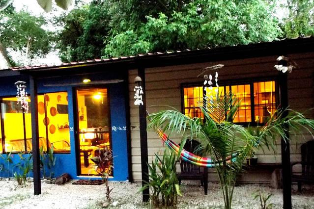 Cozy House in the beach, holiday rental in Huacas