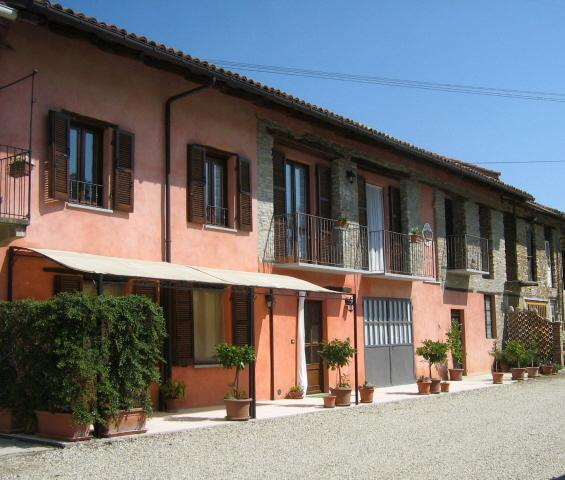 agriturismo, vacation rental in Santo Stefano Belbo