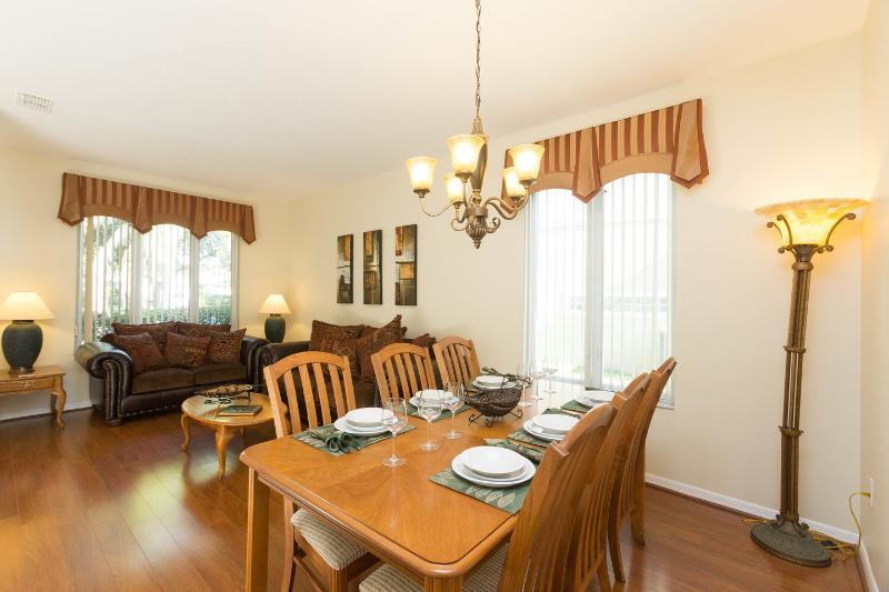 Dining Room/Lounge Room