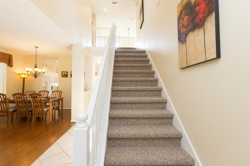 Entrée et escaliers