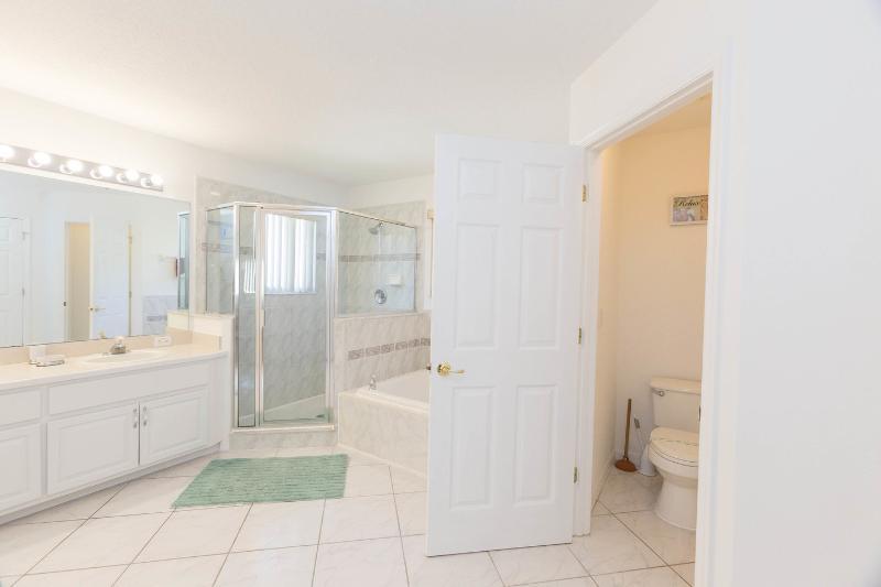 Master Suite (2) bathroom