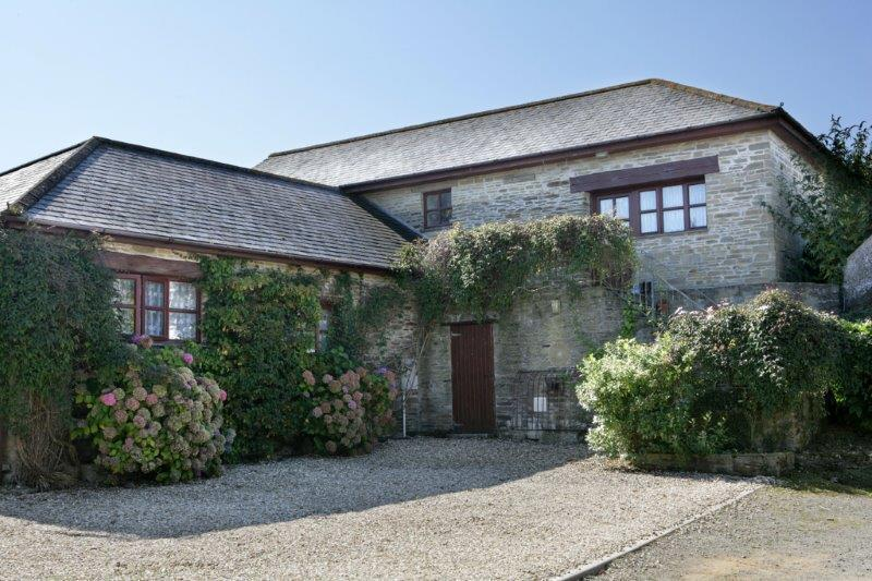 Ashen Cruz Holiday Cottages Cornwall