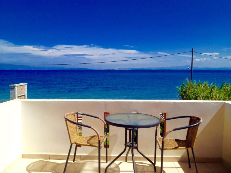 seafront villa lesbos island m2, holiday rental in Piryoi Thermis